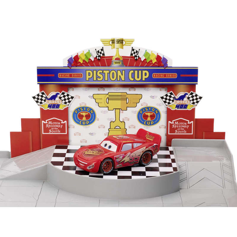 Cars - Garage - Piston cup - Dès 4 ans